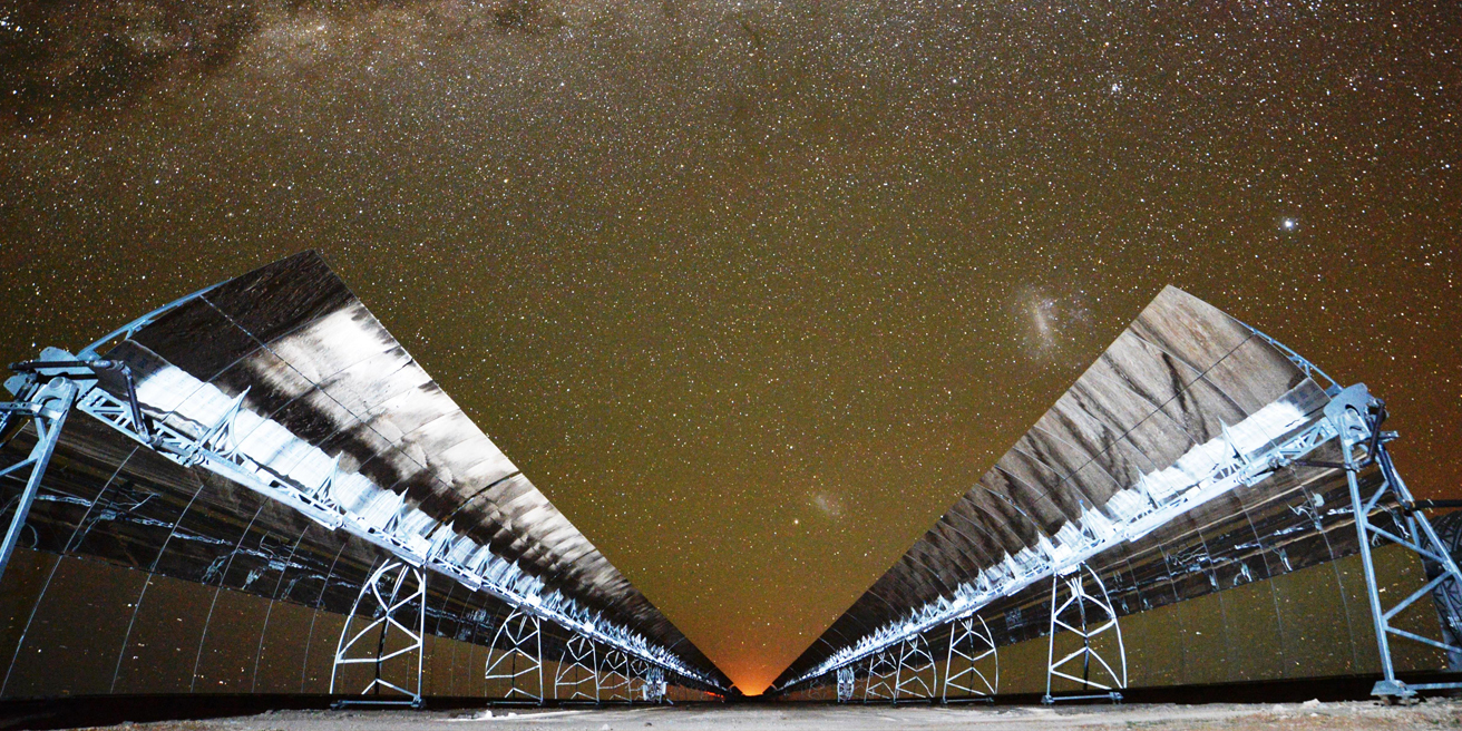Bokpoort CSP plant mirrors at night time