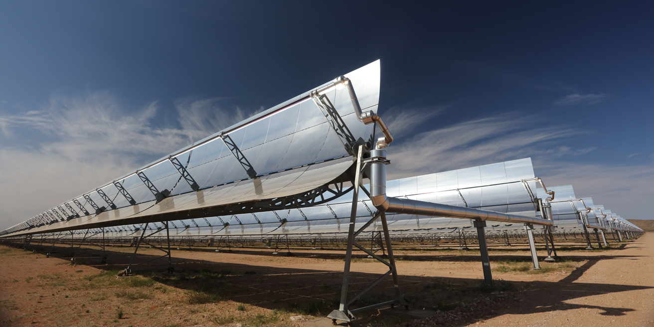 Bokpoort CSP plant's pivoting mirrors capture solar radiation